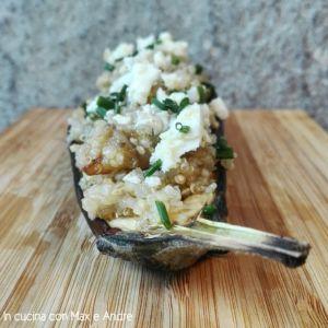 Melanzane ripiene con quinoa, feta ed erba cipollina