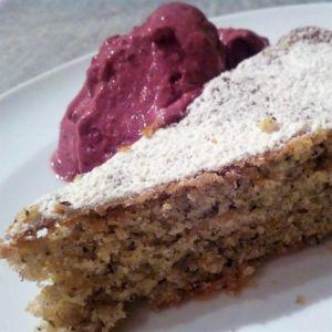 Manuela - Torta nocciole e grano saraceno con cremoso ai frutti di bosco