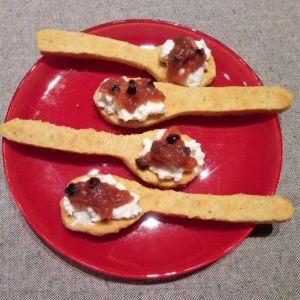 Manuela - Cucchiaini di frolla salata alle nocciole con robiola, arancia e rosmarino