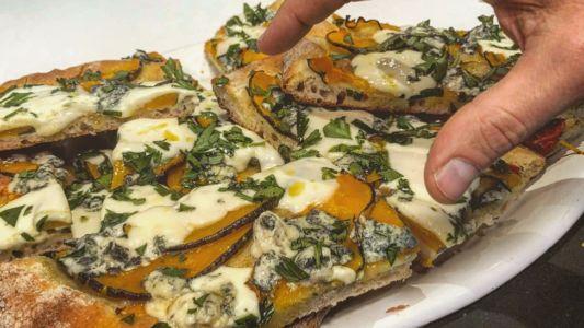 CORSO PIZZA IN TEGLIA CON FEDERICA E RENATO