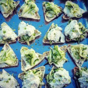 Daniela - Tartine di zucchine, robiola e lime