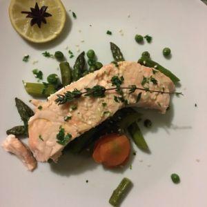 Beatrice - Salmone al lime e salmone con asparagi e carote croccanti