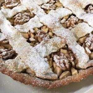 Chiara - Crostata integrale con mele, frutta secca e miele