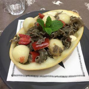Simona - Pasta di lenticchie con pachino, feta, melone al profumo di menta