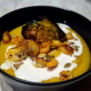 Manuela - Vellutata di zucca con gamberi e crema di cocco