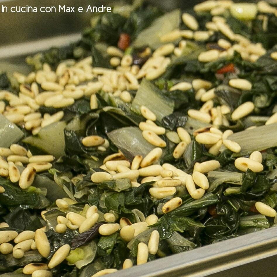 Bietola con uvetta, pinoli ed olive taggiasche