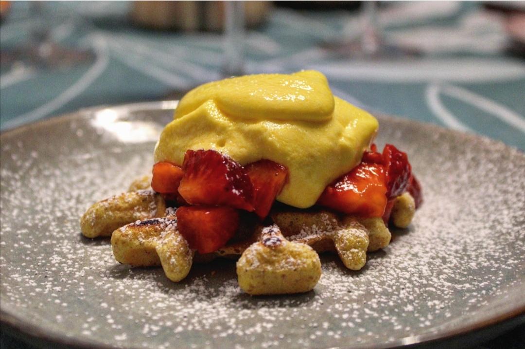 Waffle con fragole e mascarpone