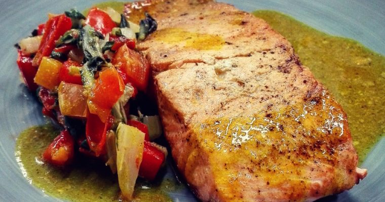 Salmone curry e cocco, bietole e peperone