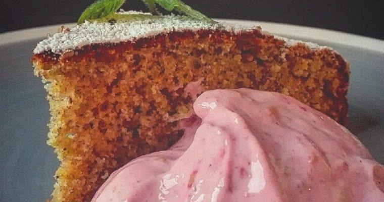 Torta nocciole e grano saraceno con cremoso ai lamponi