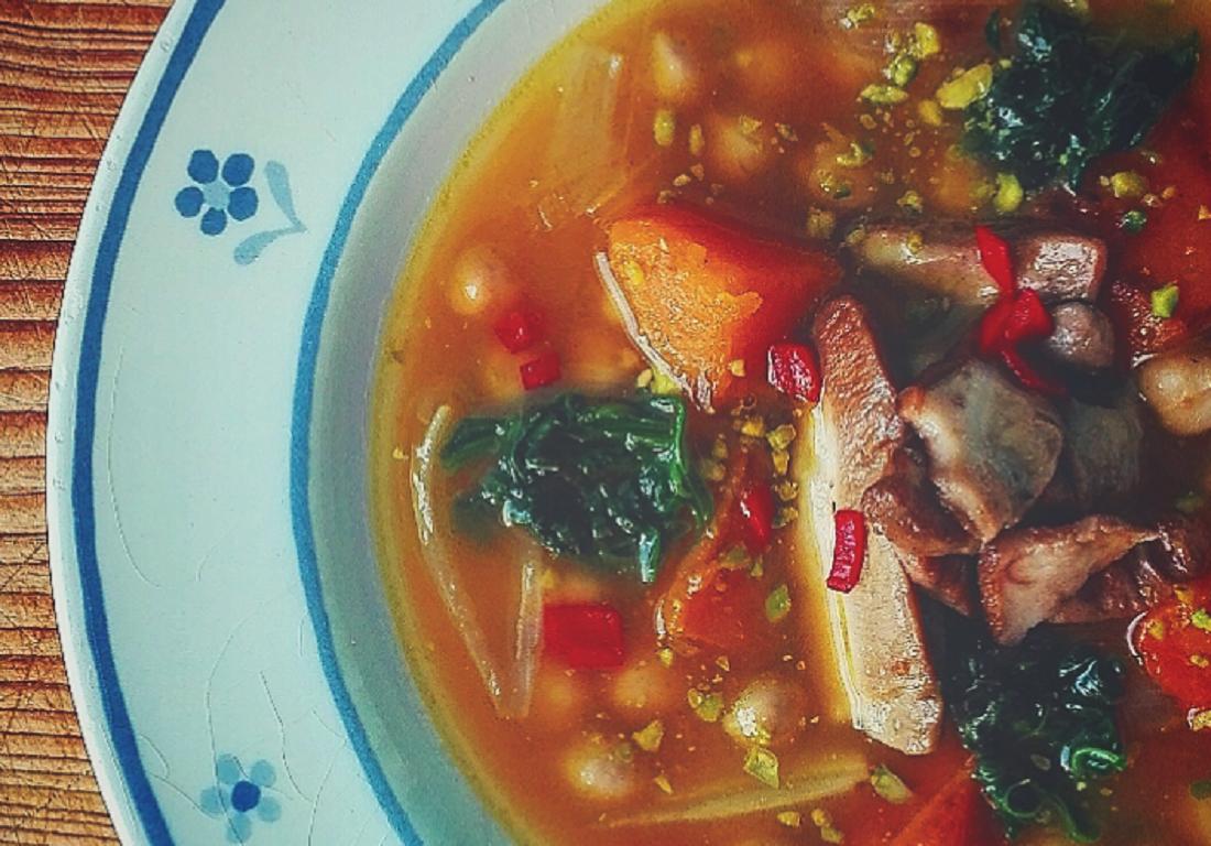 Zuppa di zucca, ceci e porcini