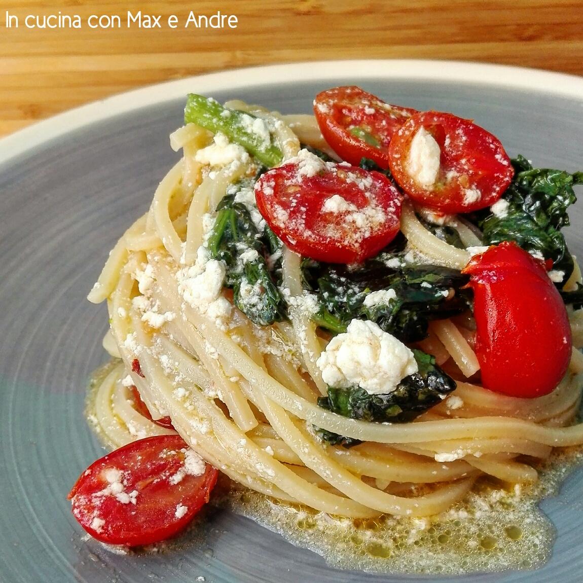 Spaghetti alla chitarra con cime di rapa, ricotta e pomodorini