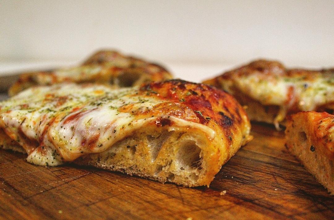 "La ""regina"" – pizza margherita"