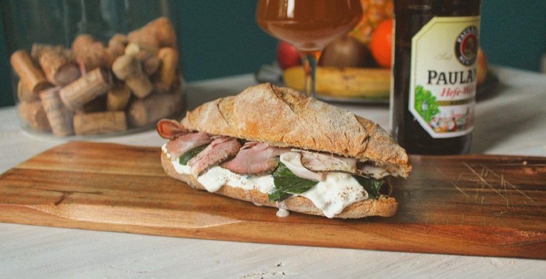 Pane fatto in casa con stracciatella, bietola e prosciutto arrosto