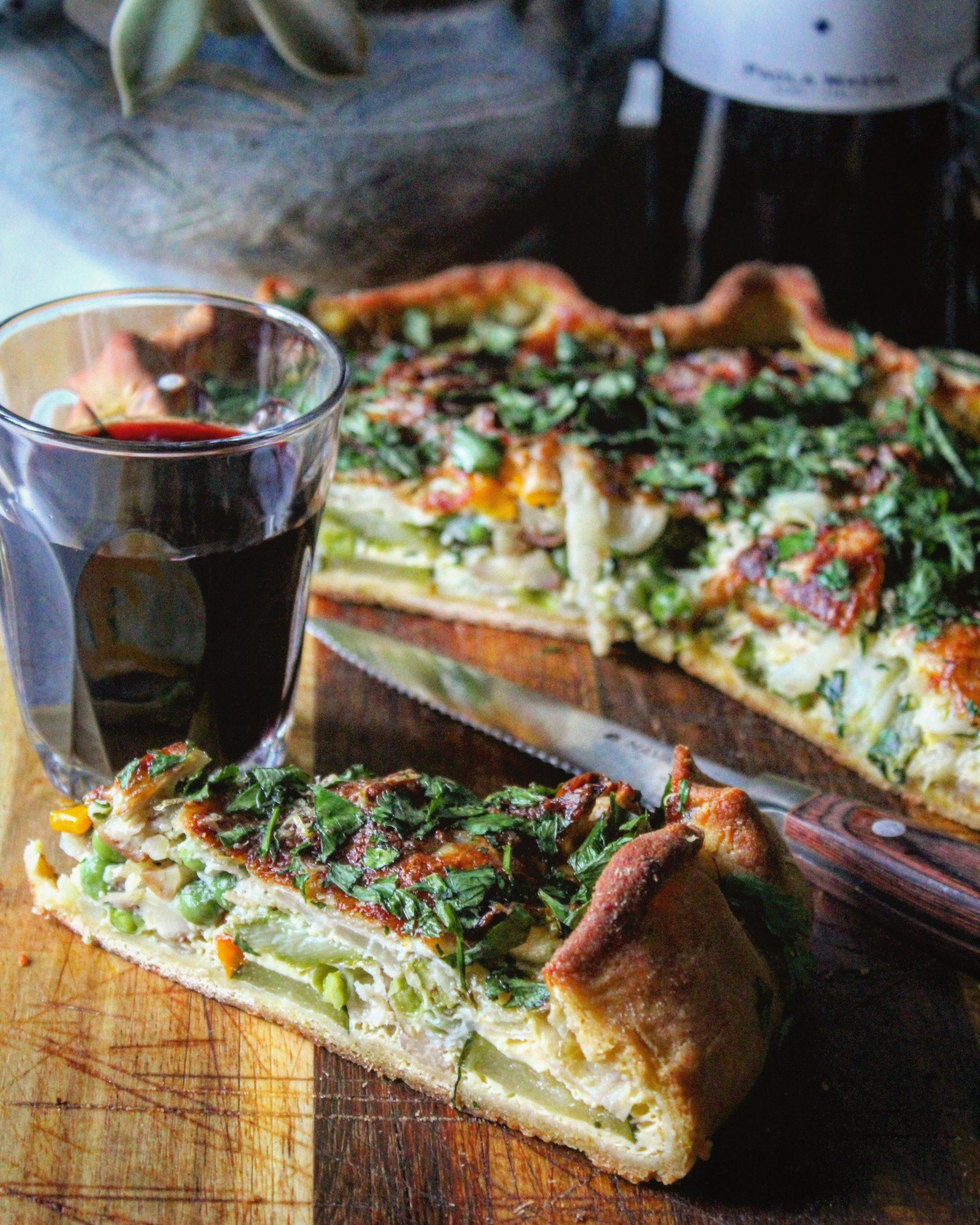 Torta con farina di ceci castagne piselli e zucchine