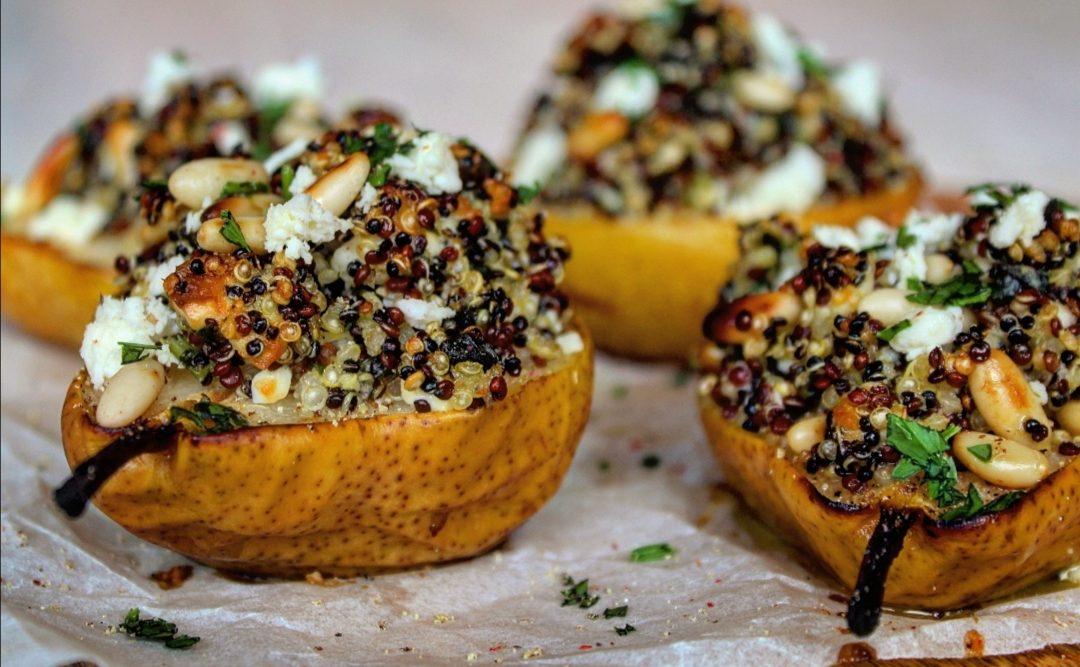 Pere gratinate farcite di quinoa feta e pinoli