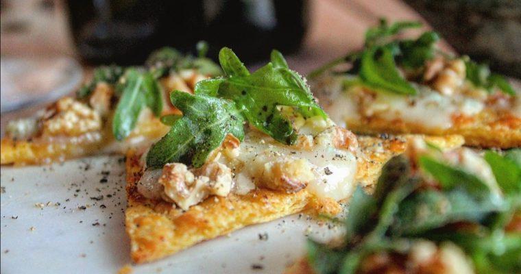 Nachos di ceci con gorgonzola e noci