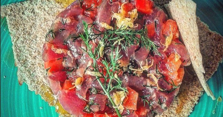Tartare di tonno, papaya e finocchietto