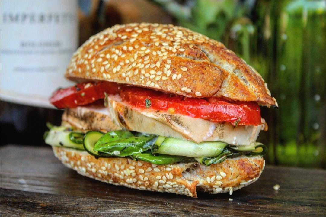 Sandwich nudo e crudo