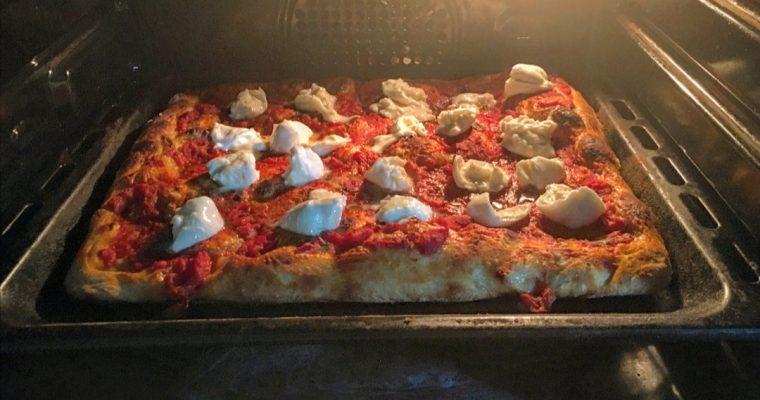 Fase 3 – Stesura in teglia e cottura col forno di casa