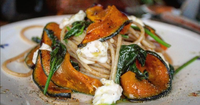 Spaghetti integrali con zucca spinacino e stracchino