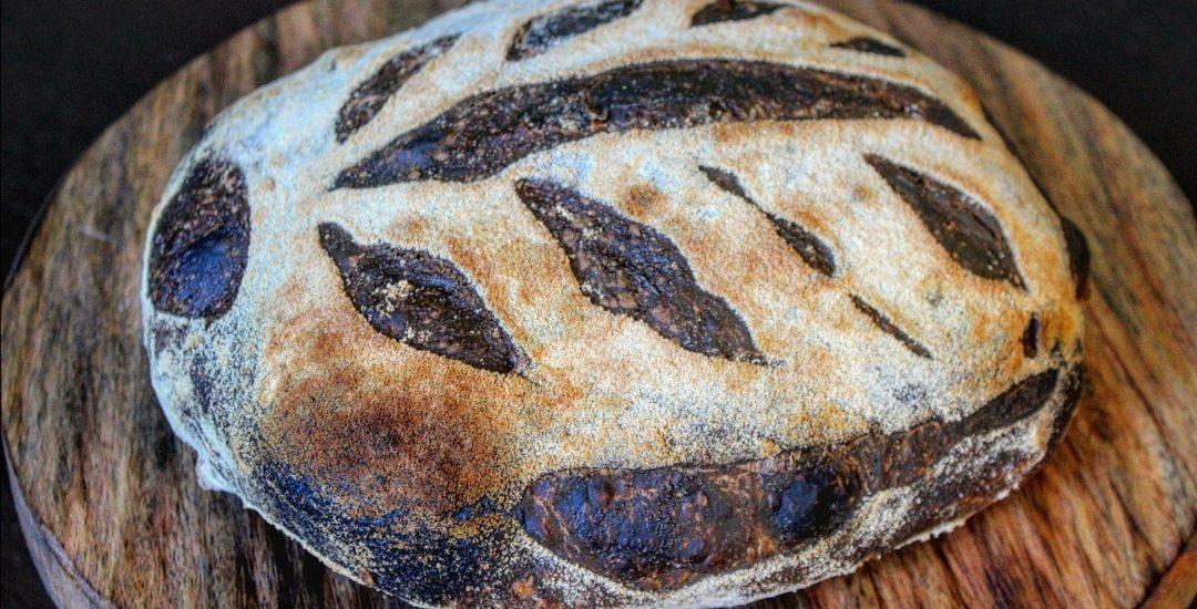 Pane nero integrale fatto in casa