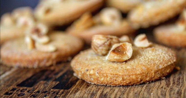 Biscotti alle nocciole e grano saraceno